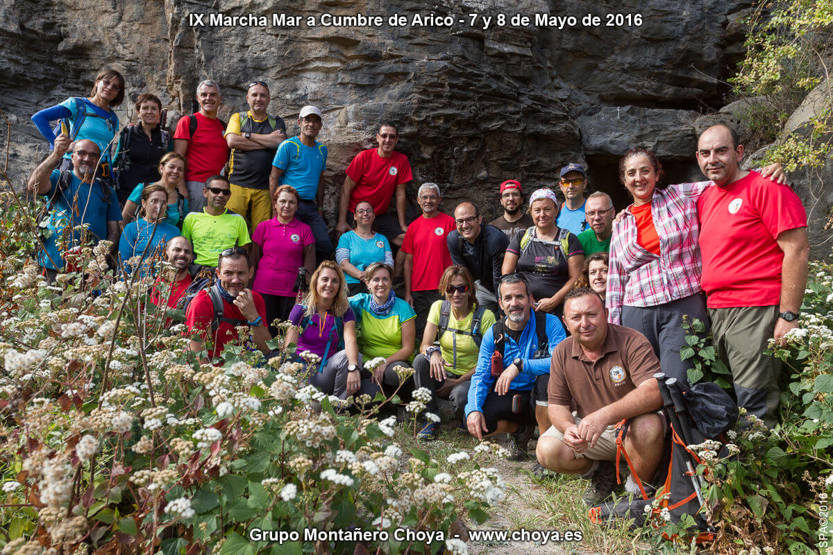 Foto de grupo en la Fuente de Tajo